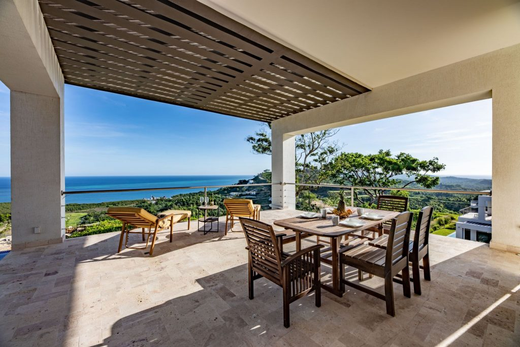 Beachfront House for Sale in Roatan – Our Kitchen