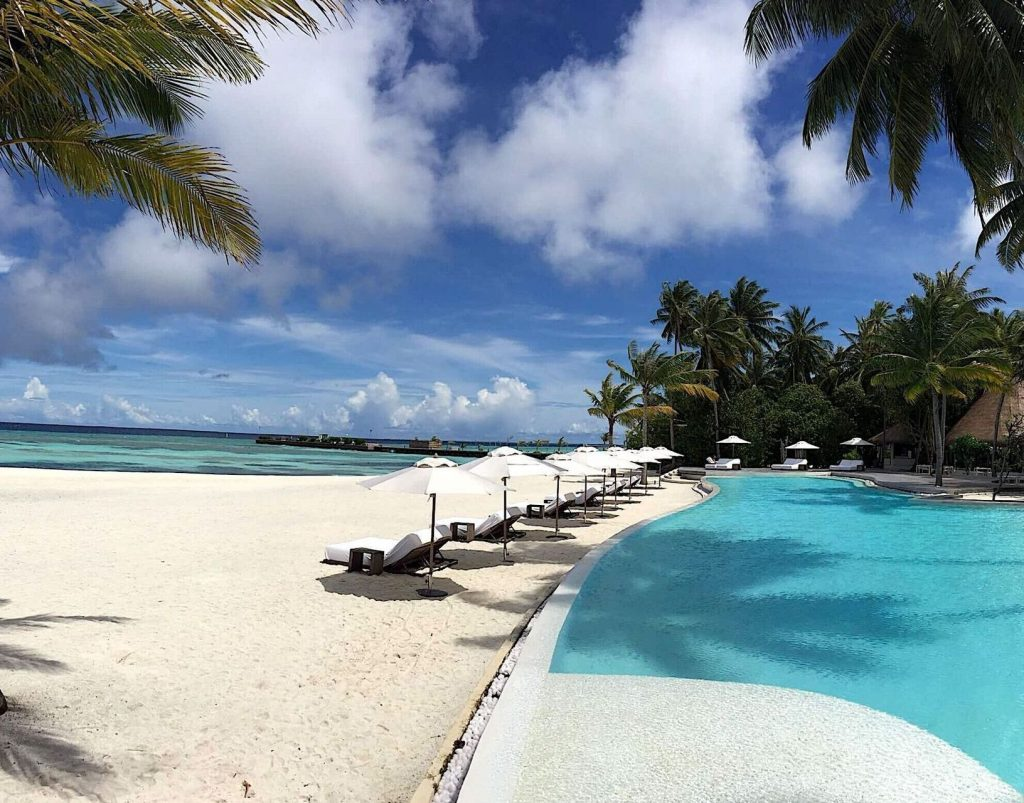 Roatán Houses for Sale Beachfront and Ocean-view Homes